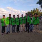 Peduli Lingkungan, Mahasiswa STIS Dayah Amal Bersihkan Pantai peudawa