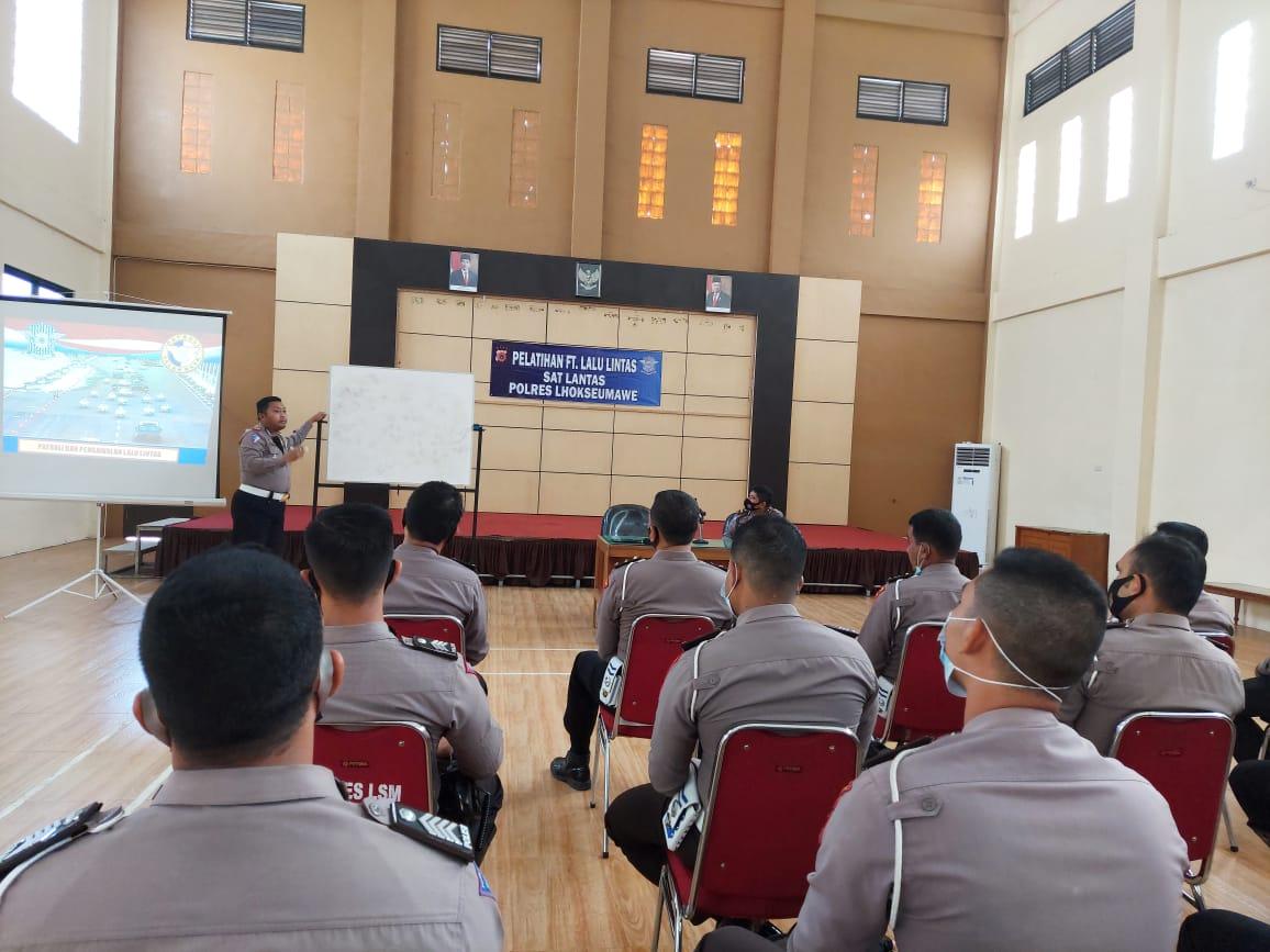 Sat Lantas Polres Lhokseumawe Laksanakan Pelatihan Fungsi Teknis Pengawalan dan Penanganan Laka
