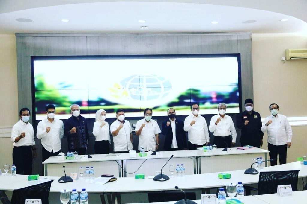Rapat Kerja Dengan Menteri ATR/BPN, Ketua Komite I DPD RI Fachrul Razi Bahas Masalah Tanah untuk Kombatan