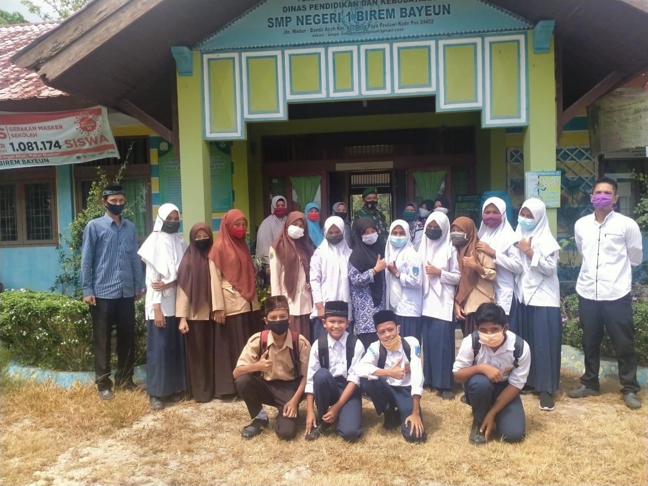 Bati Wanwil Ramil 11/Brb Beri Motivasi Siswa/i SMPN 1 Birem Bayeun
