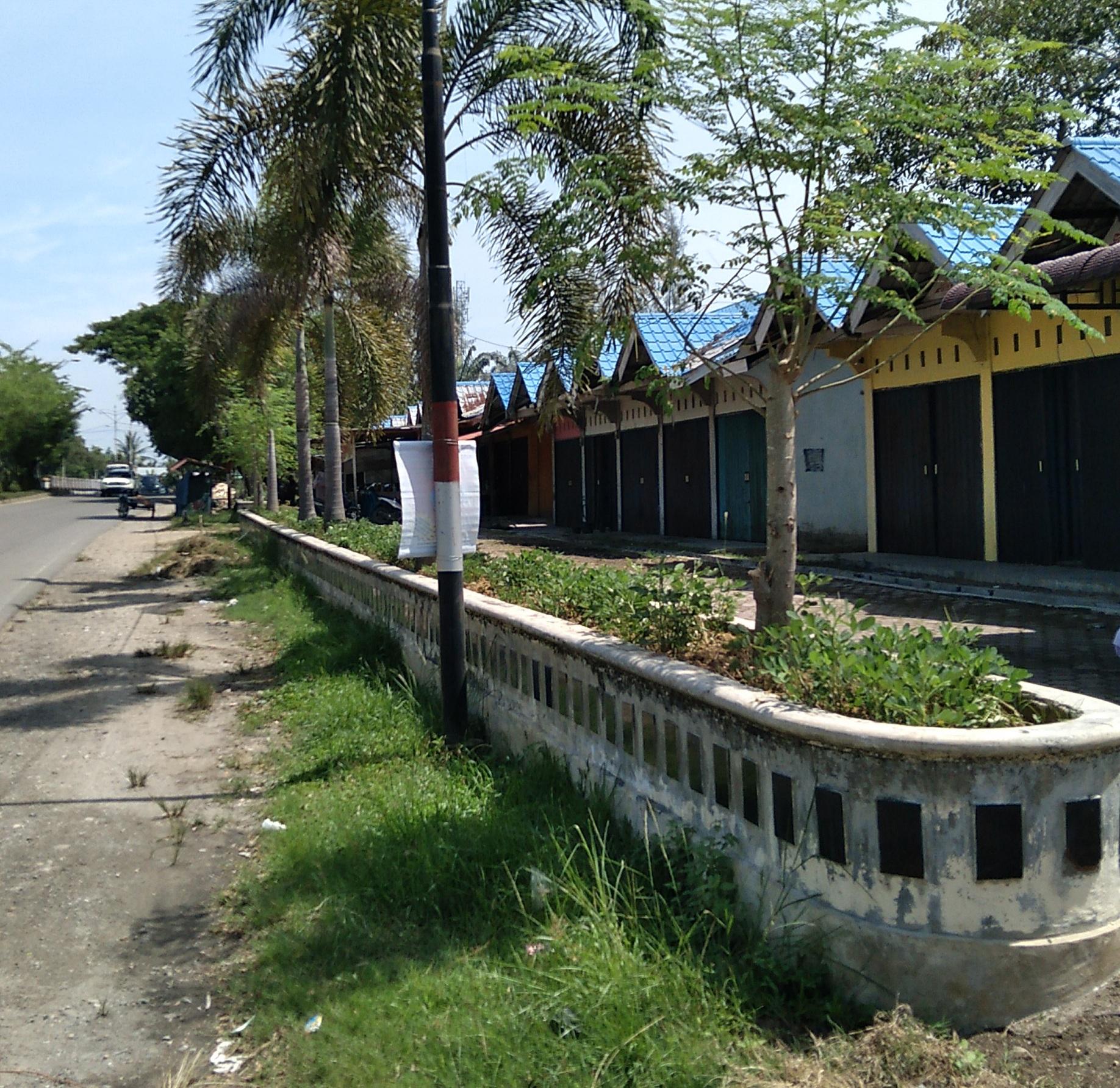 Penimbunan Tanah Dan Pembersihan Sekitar Area Kedai (Shop Lot) Titi Kembar Langsa Lama Mulai Dikerjakan Sebagai Persiapan Peresmian APPUI.